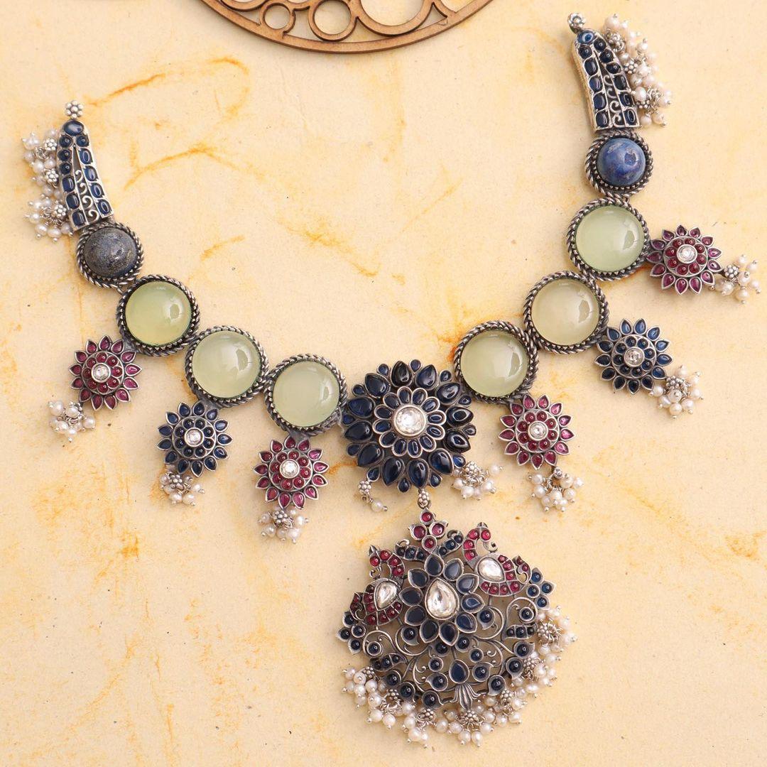 oxidized-silver-statement-neckpiece