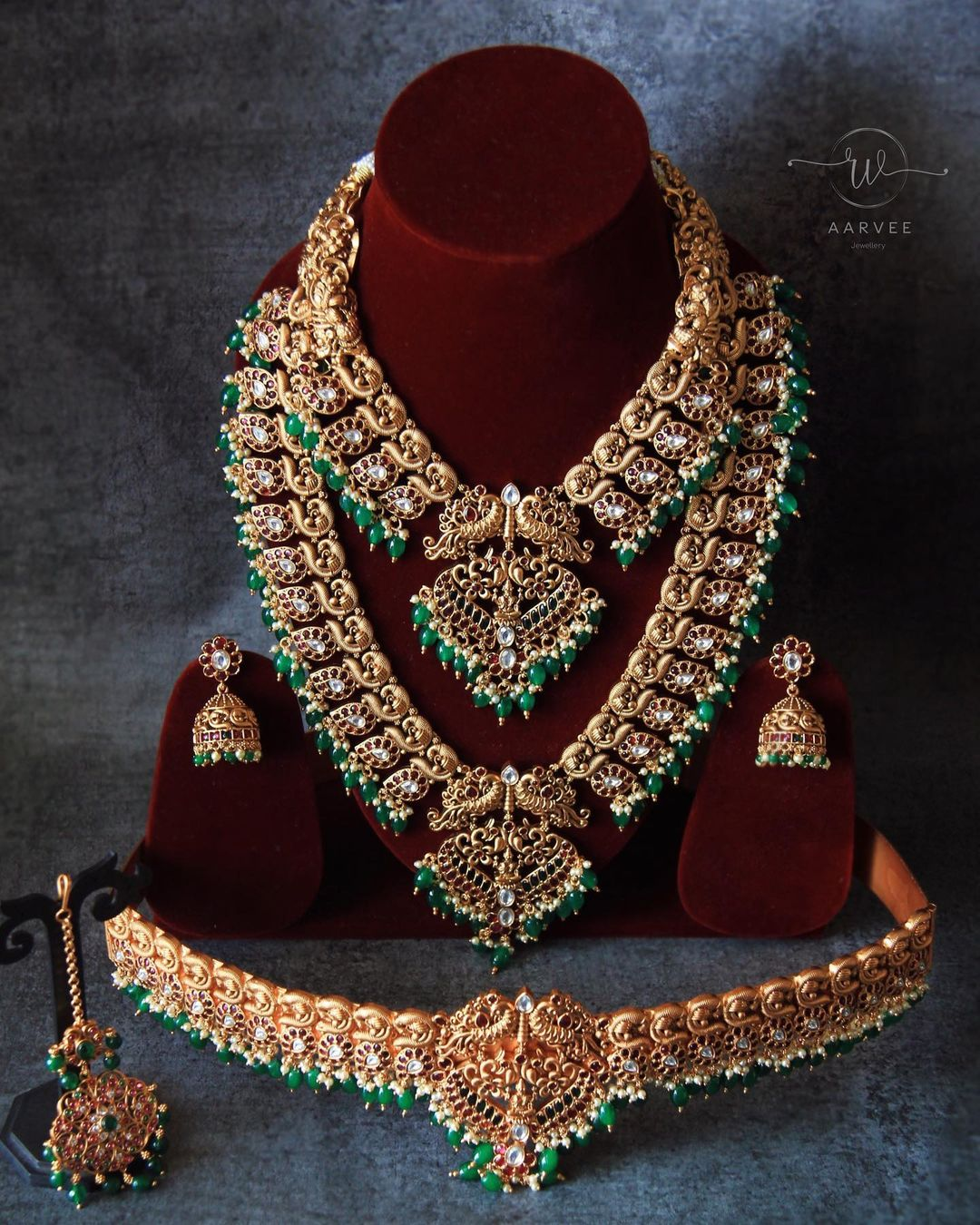 regal-gold-finish-bridal-jewellery-set