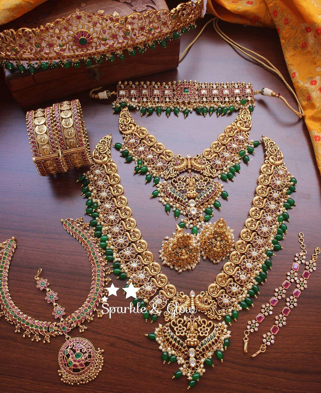 traditional-antique-bridal-set