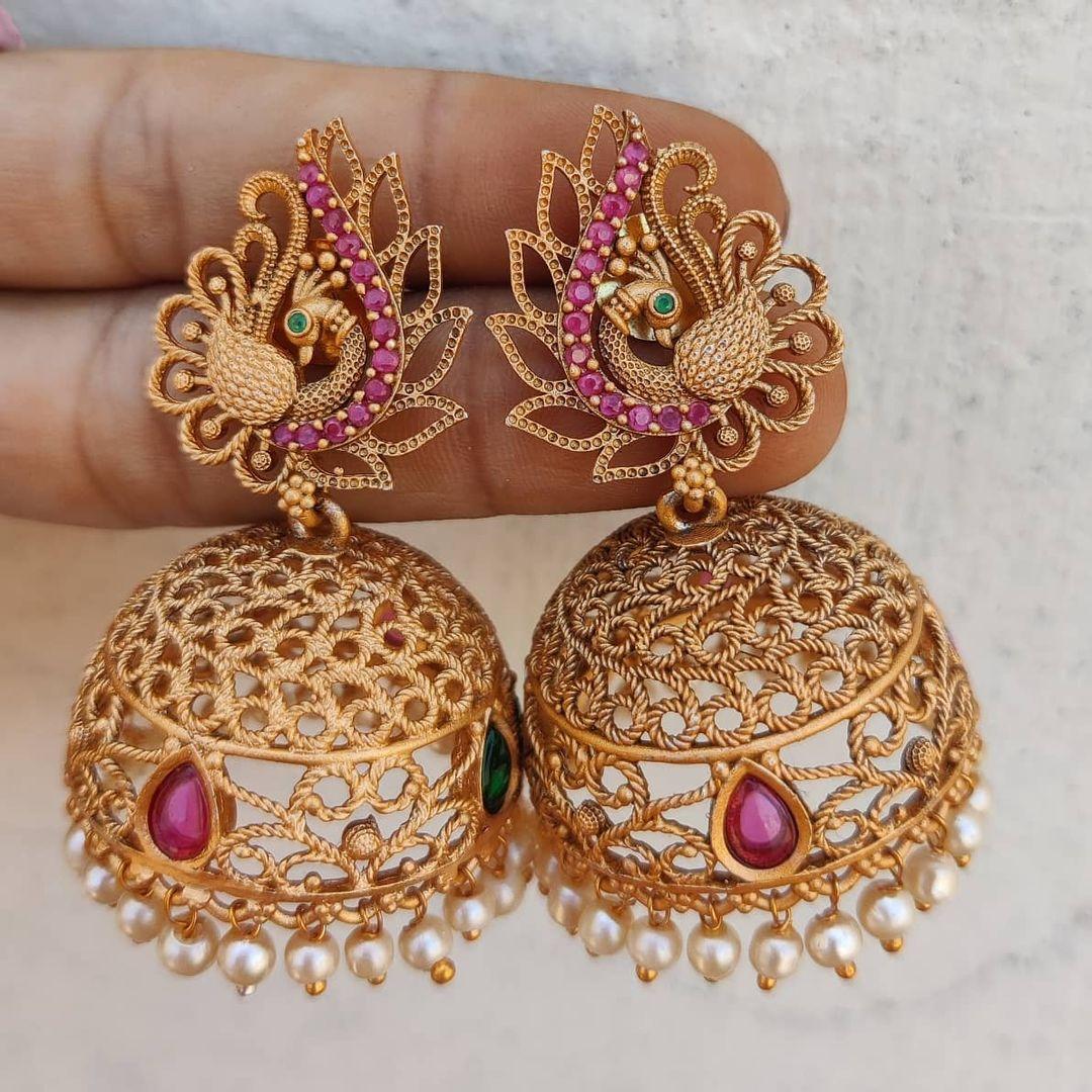 peacock-jhumkas-with-pearls-hangings