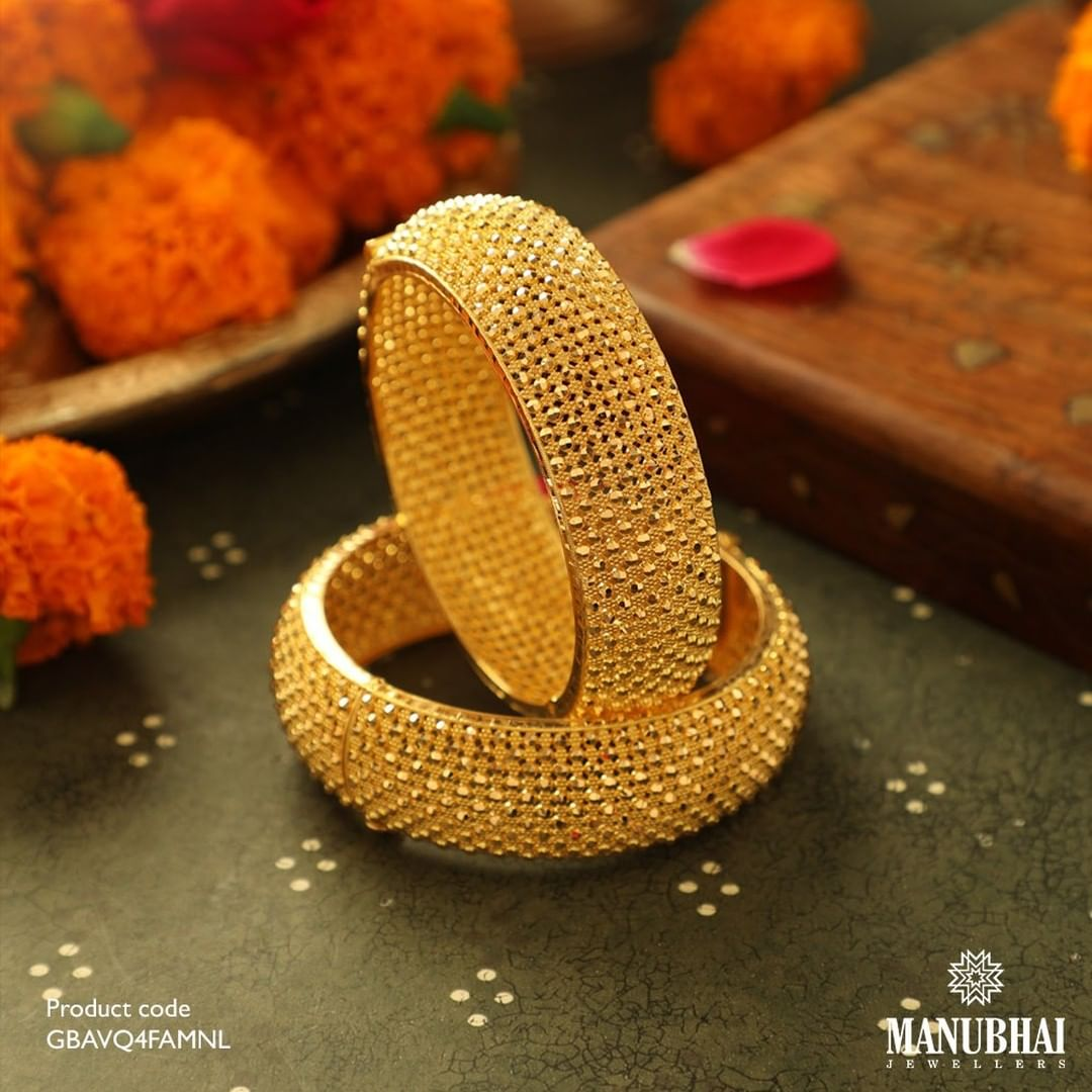 traditional-gold-bangles
