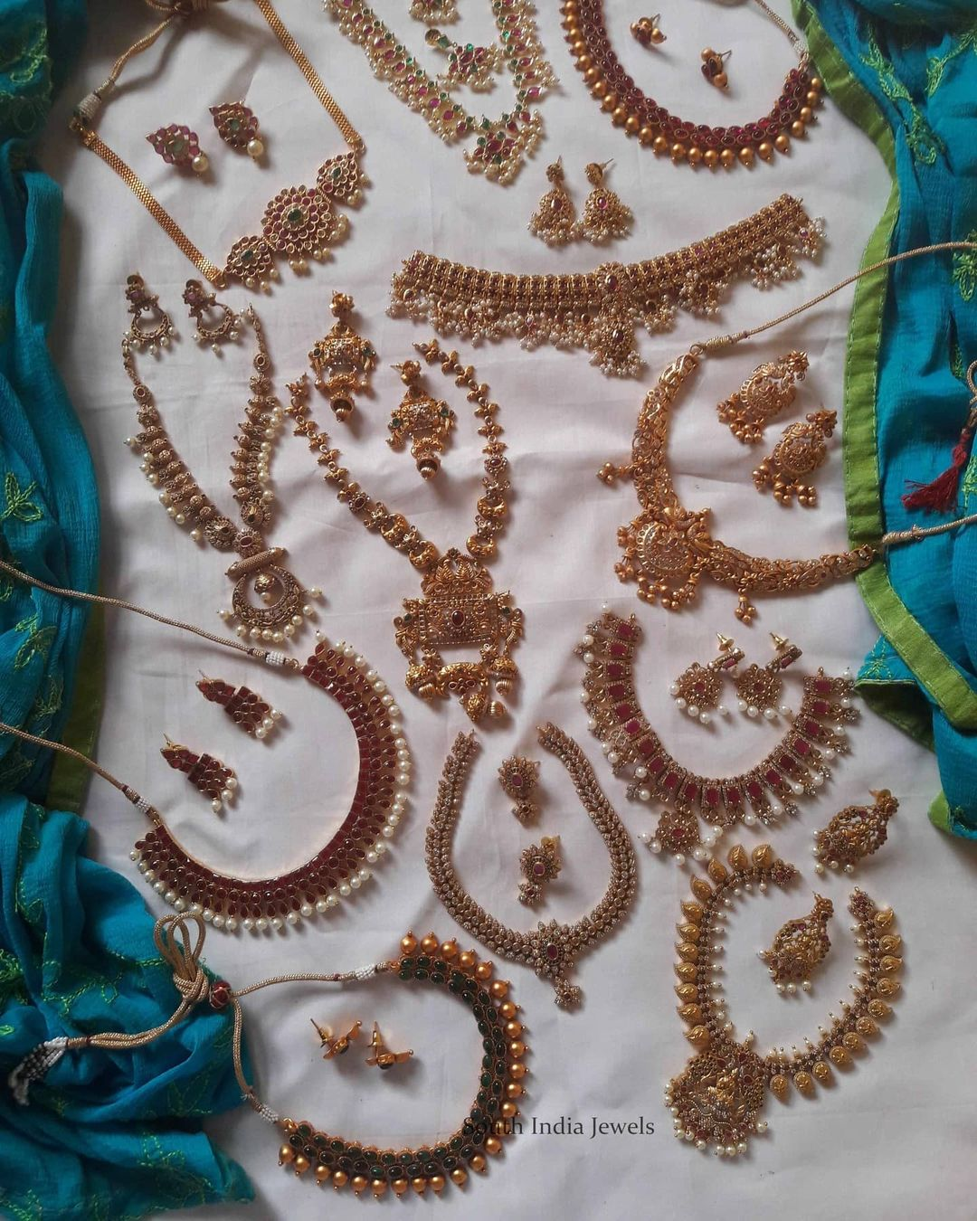 traditional-necklace-collection