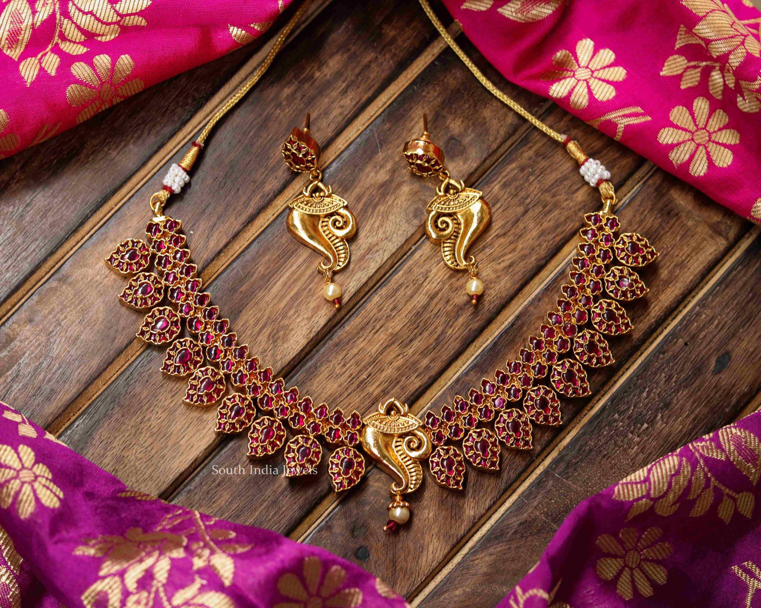 Unique-Maanga-Kemp-Stone-Necklace
