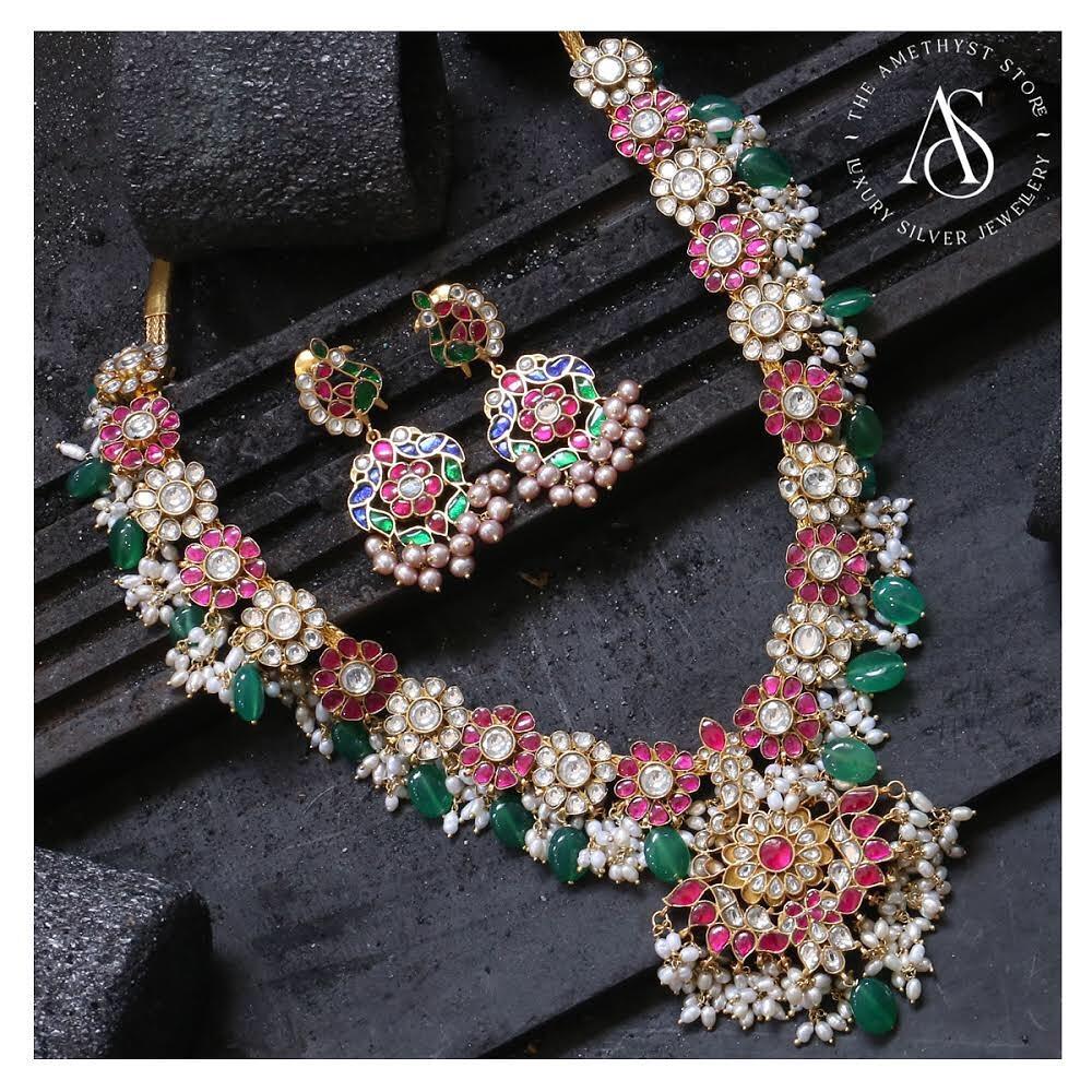 kundan studded guttapusalu necklace set